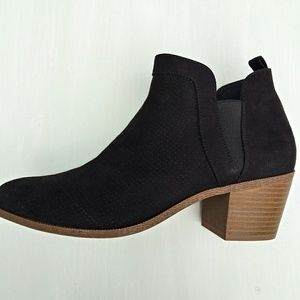 Style & Co Myrrah Perforated Ankle Boots Size 8.5M